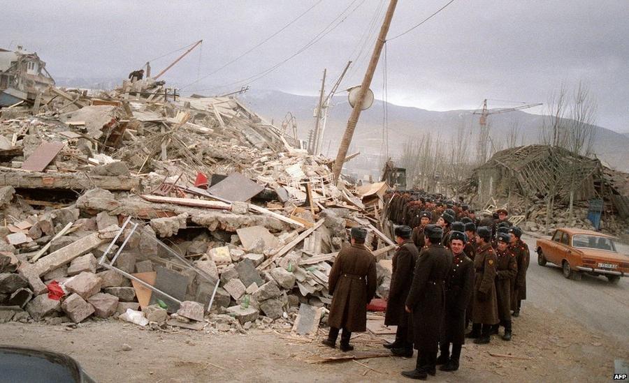 Спитакское землетрясение фото