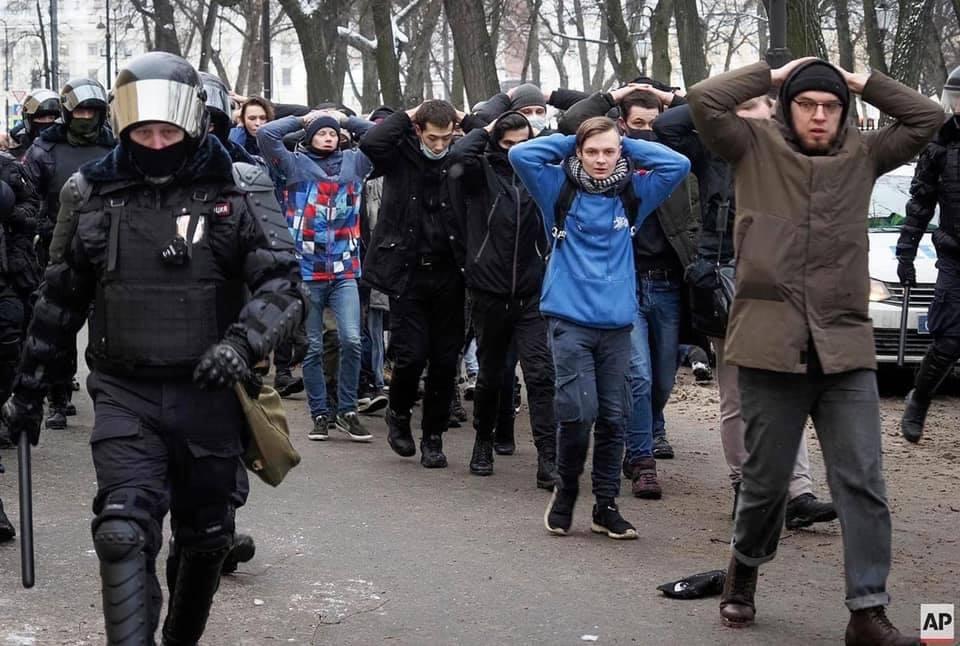 Нет, это не фашизм, это люди Путина так любят